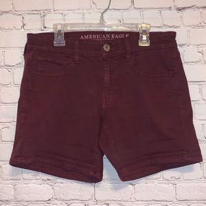 AEO Twill Midi Super Stretch Burgundy Shorts